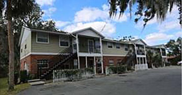 Marcus & Millichap arranges the sale of a 12-unit apartment building in Eustis, Florida